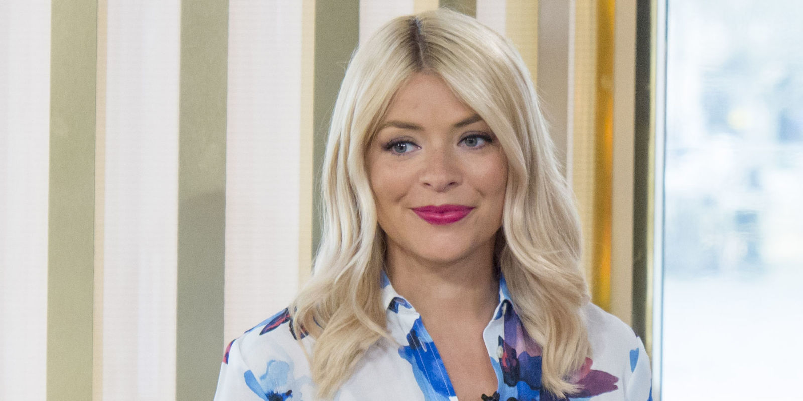 Where's Holly Willoughby today? Bio: Husband, Weight ...